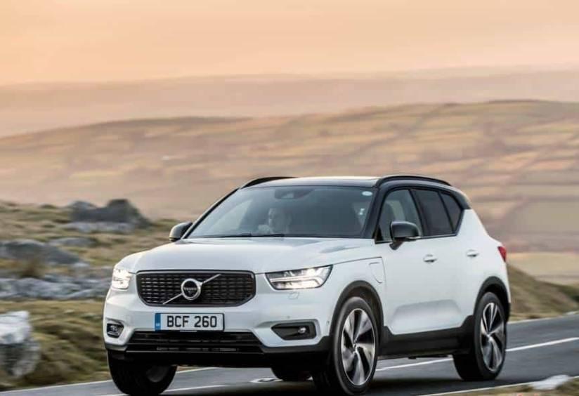 Volvo XC40 ganha mais versões híbridas na Europa