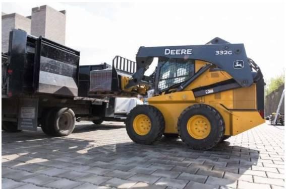 A Deere atualiza minicarregadeiras da série G, CTLs com grande funcionalidade de carregadeira por meio do novo pacote de desempenho de lança